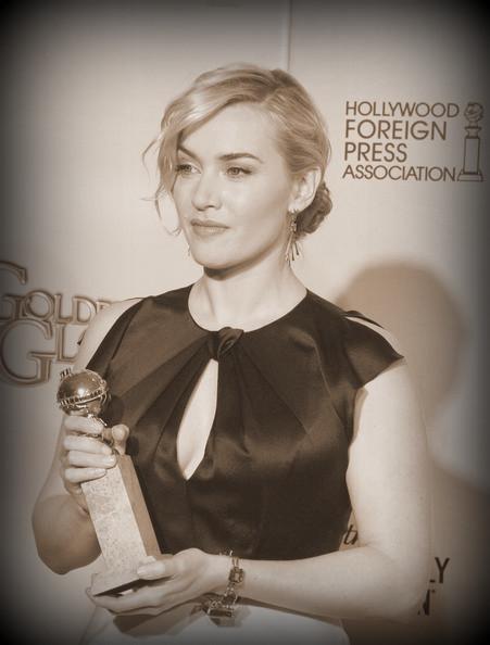 11 Kate Winslet's loose updo at the 2012 Golden Globe Awards on Exshoesme.com