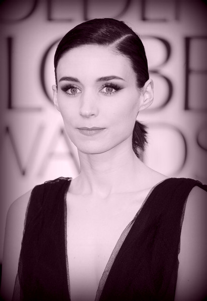 14 Rooney Mara's sleek ponytail at the 2012 Golden Globe Awards on Exshoesme.com