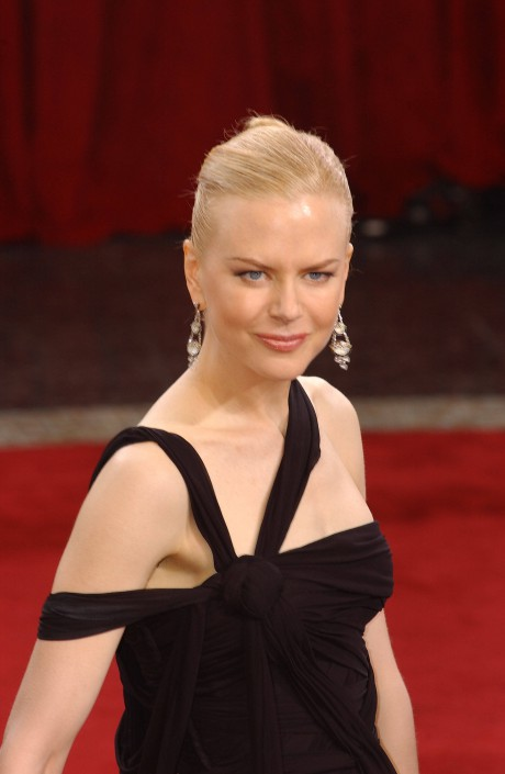 Nicole Kidman in Jean Paul Gaultier at the Oscars in 2003 on Exshoesme.com
