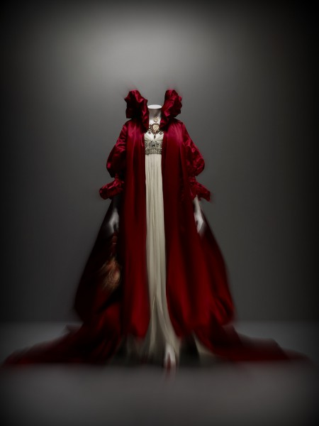 Alexander McQueen FW08 Ivory Beaded Evening Gown and Red Silk Cape Coat on Exshoesme.com