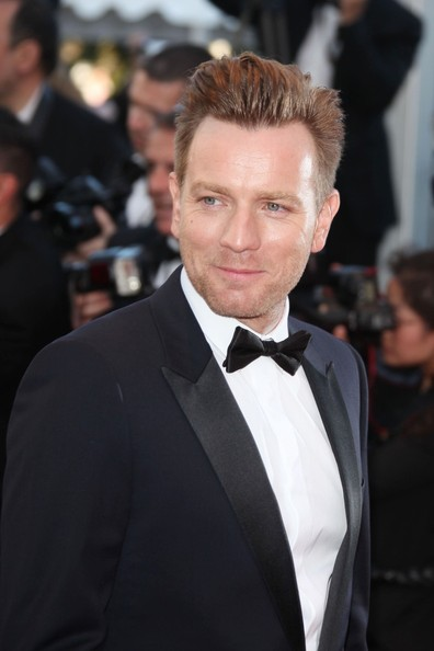 Ewan McGregor Smile at Opening Ceremony of Cannes Film Festival May 16 2012 on Exshoesme.com.