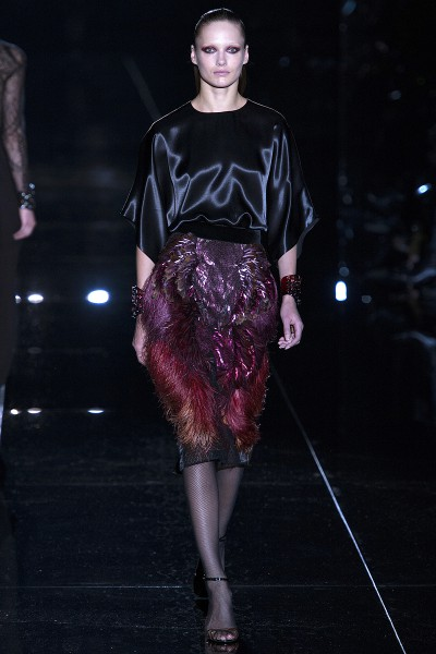 Gucci FW13 satin blouse and feather skirt on Exshoesme.com.