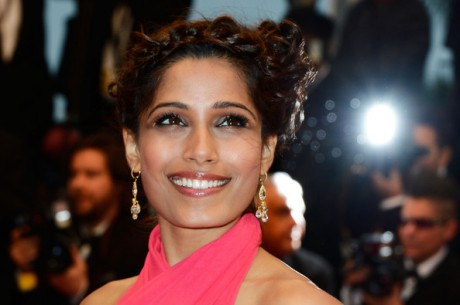 Freida Pinto at the Cannes 2013 Opening Ceremony on Exshoesme.com. Photo Pascal Le Segretain