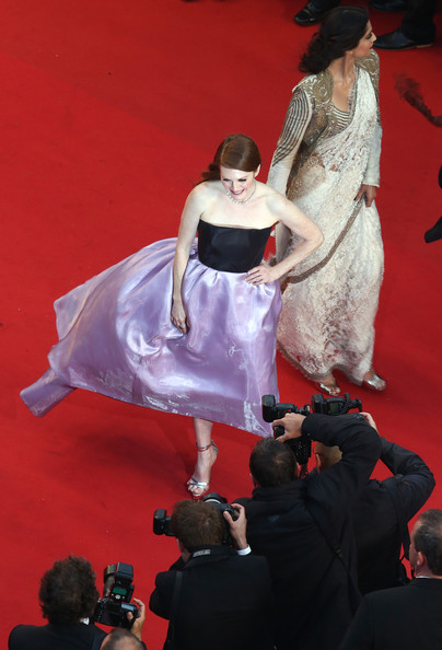 Julianne Moore in Dior at the Cannes 2013 Opening Ceremony on Exshoesme.com. Photo Andreas Rentz