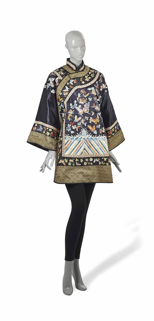 Lot 66 VESTE DE FEMME CHINE, XXEME SIECLE © Christie's Images Limited 2014