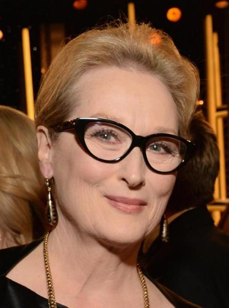 Meryl Streep at the 2014 Golden Globe Awards on Exshoesme.com.  @MerylStreepSite photo.
