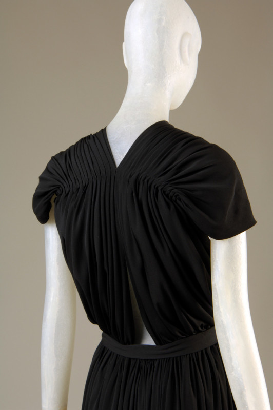 Claire McCardell Evening dress Black rayon Circa 1939, USA The Museum at FIT, 2005.65.9 Gift of Denise Otis