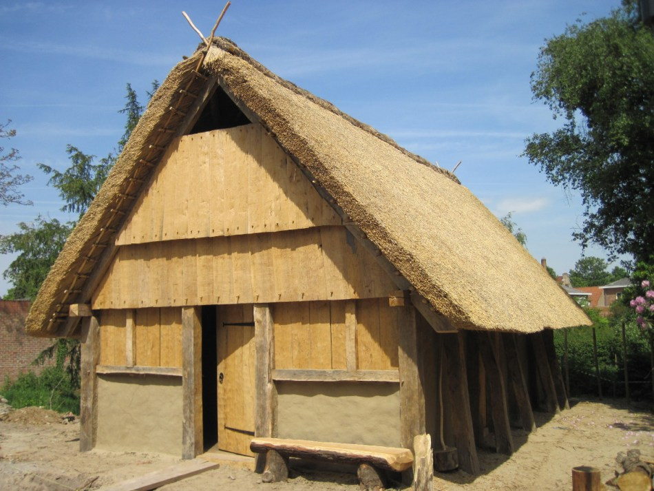 Het resultaat: een vroegmiddeleeuws huis anno 2011 © Raakvlak