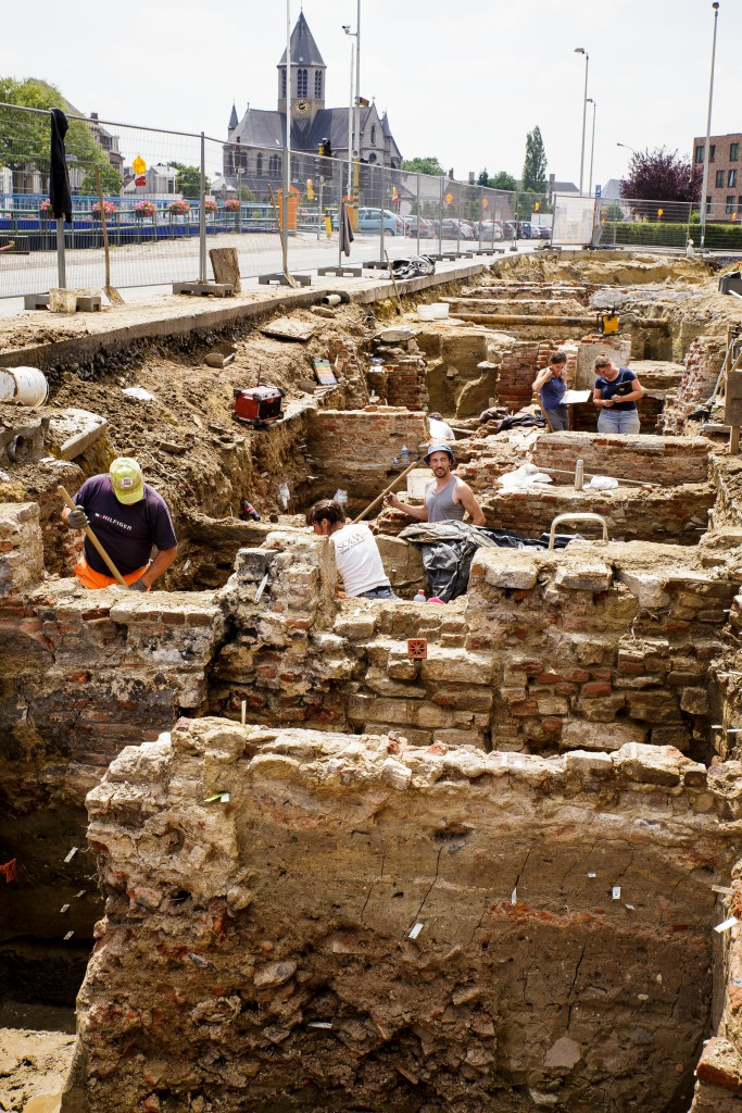 De wirwar van lagen en muren maakt het voor archeologen een uitdaging om het verhaal van de site te begrijpen © Dirk Wollaert
