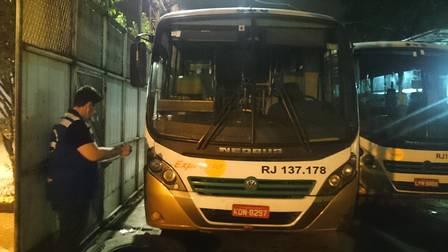 Procon Estadual vistoria garagens de empresas de ônibus na Baixada Fluminense