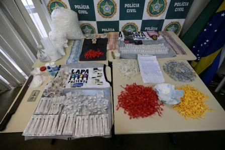 O material apreendido pelos policiais