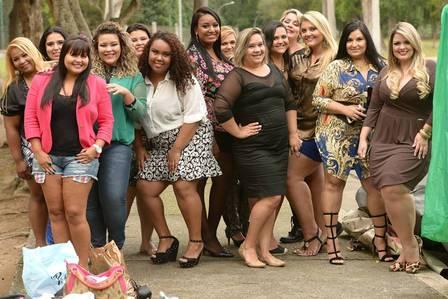 Simone e amigas plus size posam para foto