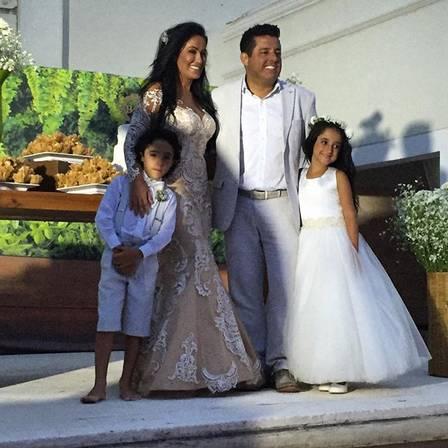 Marianne e Bruno com os filhos gêmeos, Enzo e Maria Eduarda