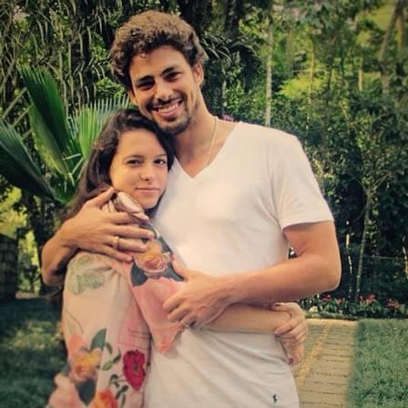 Lara com o irmão famoso, Cauã Reymond