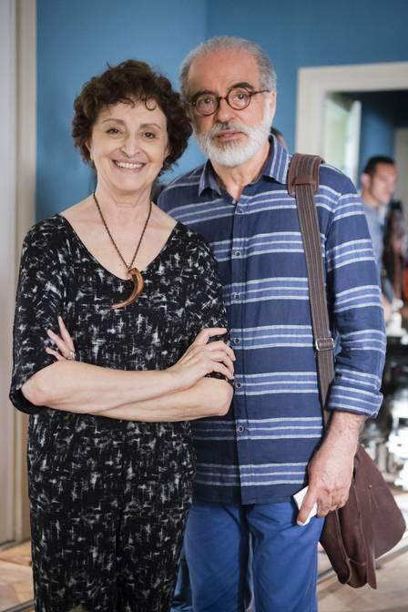 """Hilda (Ana Lúcia Torre) e Oswaldo (Genézio de Barros) em """"Verdades secretas"""""""