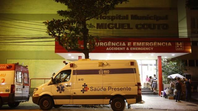A mulher foi levada para o Hospital Miguel Couto