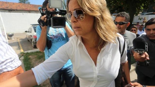 Françoise, mulher do embaixador da Grécia, não falou com a imprensa
