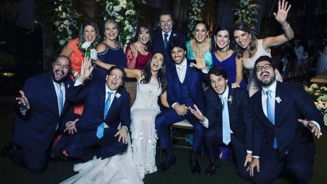 Família reunida em casamento de Patricia Abravanel e Fabio Faria
