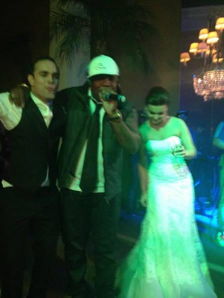 Procurador que foi preso pela PF e a mulher com o MC Marcinho em show no casamento do casal