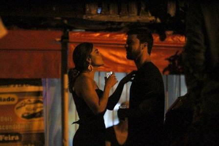 Juliana Paes comemora com o marido, Carlos Eduardo Baptista