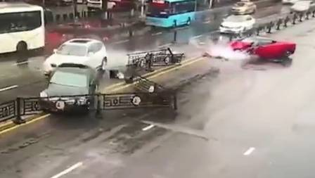 Ferrari 458 destruída: quem paga o prejuízo? Foto: Reprodução/YouTube