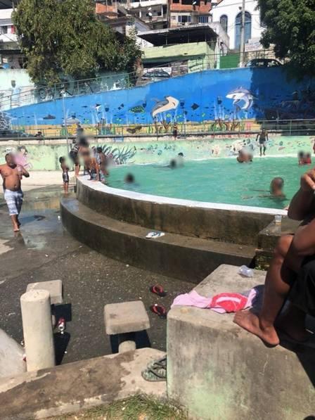 Funcionando irregularmente piscina do trfico no Morro do