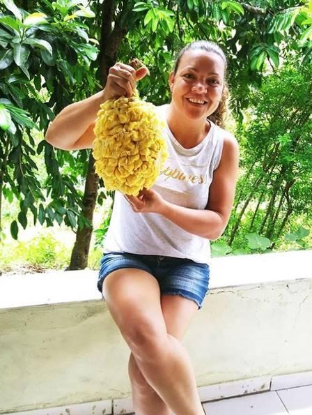 Elane estudou e comprou uma casa para os pais no interior da Bahia