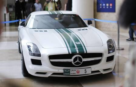 Mercedes-Benz SLS AMG, da polícia de Dubai: R$ 920 mil