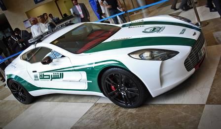 Aston Martin One-77, da polícia de Dubai: R$ 8 milhões