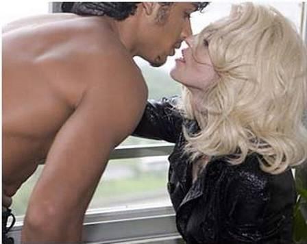 xjesus 12.jpg.pagespeed.ic.hR vEr MDv - Jesus Luz sobre ser chamado de safado por Madonna: 'Me diverti muito'