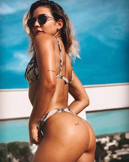 xohana lefundes4.jpg.pagespeed.ic.RoBoRpFl9j - Bailarina de Anitta aumenta seguidores após caso com a cantora ser revelado