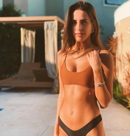 Ana Morais tem 19 anos e quer seguir carreira como cantora