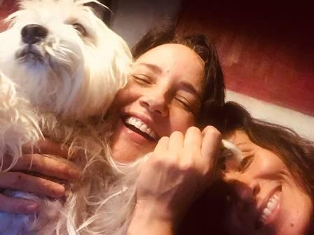 Ana Carolina, Chiara e o cãozinho
