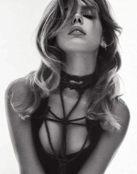 A foto sexy que Neymar curtiu de Giovanna Lancellotti