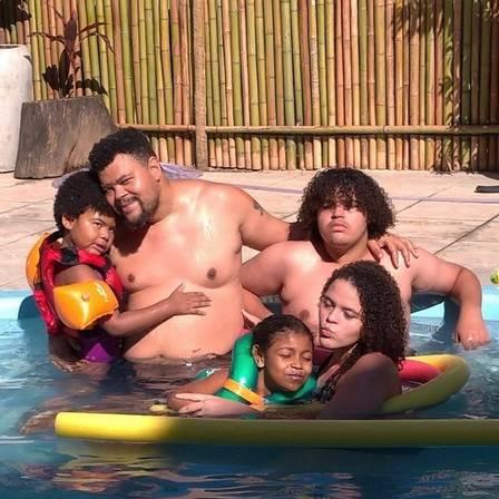 Babu com os filhos