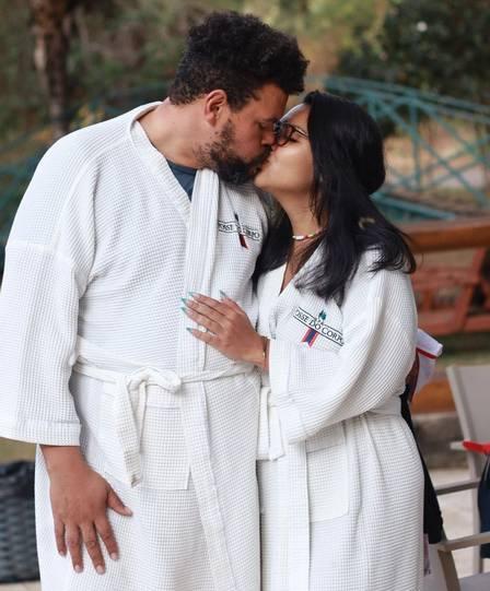 Babu Santana with his girlfriend