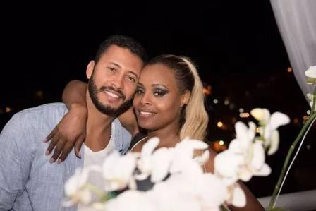 Roberta and her husband, Guilherme