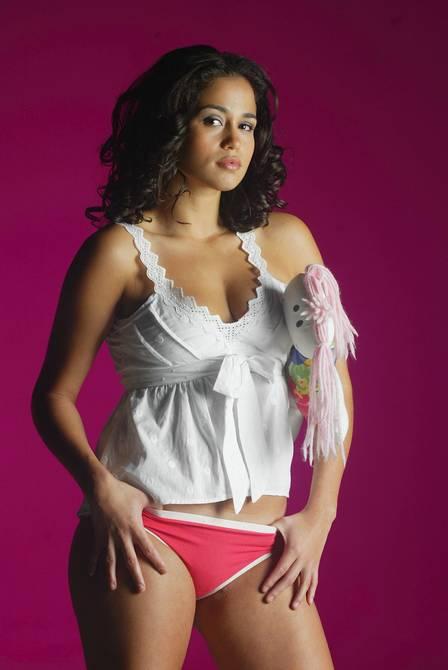 Corpo da Nanda Costa em 2006