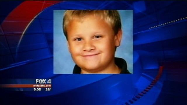 O menino de 10 anos morreu de sede