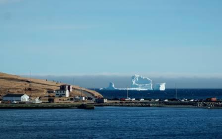 Área onde iceberg aportou pode ser acessada por barcos