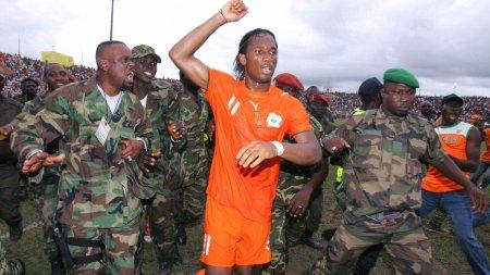 Drogba em Bouaké, cidade comandada pelos rebeldes na Costa do Marfim