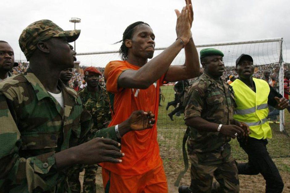 Drogba em Bouaké durante jogo entre Costa do Marfim e Madagascar