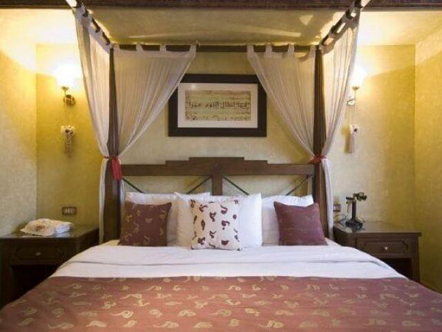 Dahabeja Queen Farida Royal Suite