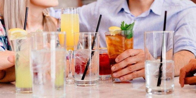 Kotiin eristäytyminen ja alkoholi ovat huono yhdistelmä