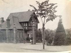 Lammas Park Gate circa 1910.