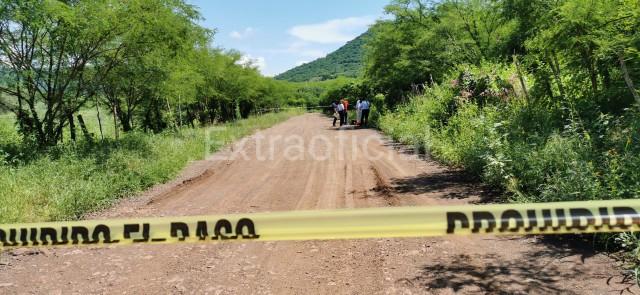 Con huellas de que estuvo esposado y varios impactos de bala encuentran a un joven ejecutado en Culiacán