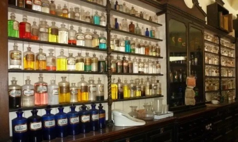 Pharmacy in Blists Hill Victorian Town with Kids www.extraordinarychaos.com