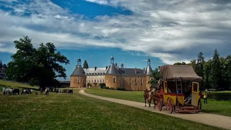 A Road Trip of Guedelon Country and The Burgundy Backroads