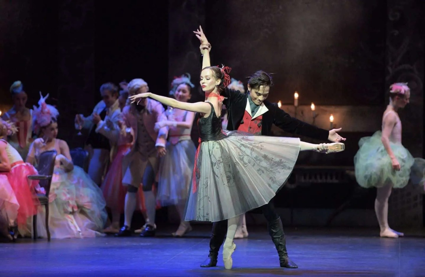 Katja-Khaniukova-and-Jeffrey-Cirio-in-Manon-c-Laurent-Liotardo
