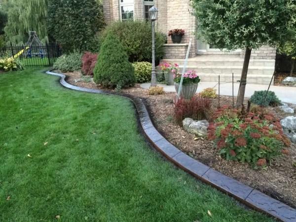 concrete curbing landscaping